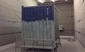 Container, stralen en spuiten